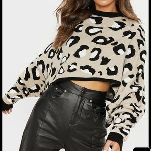 Sweaters - Mock neck leopard cropped sweater